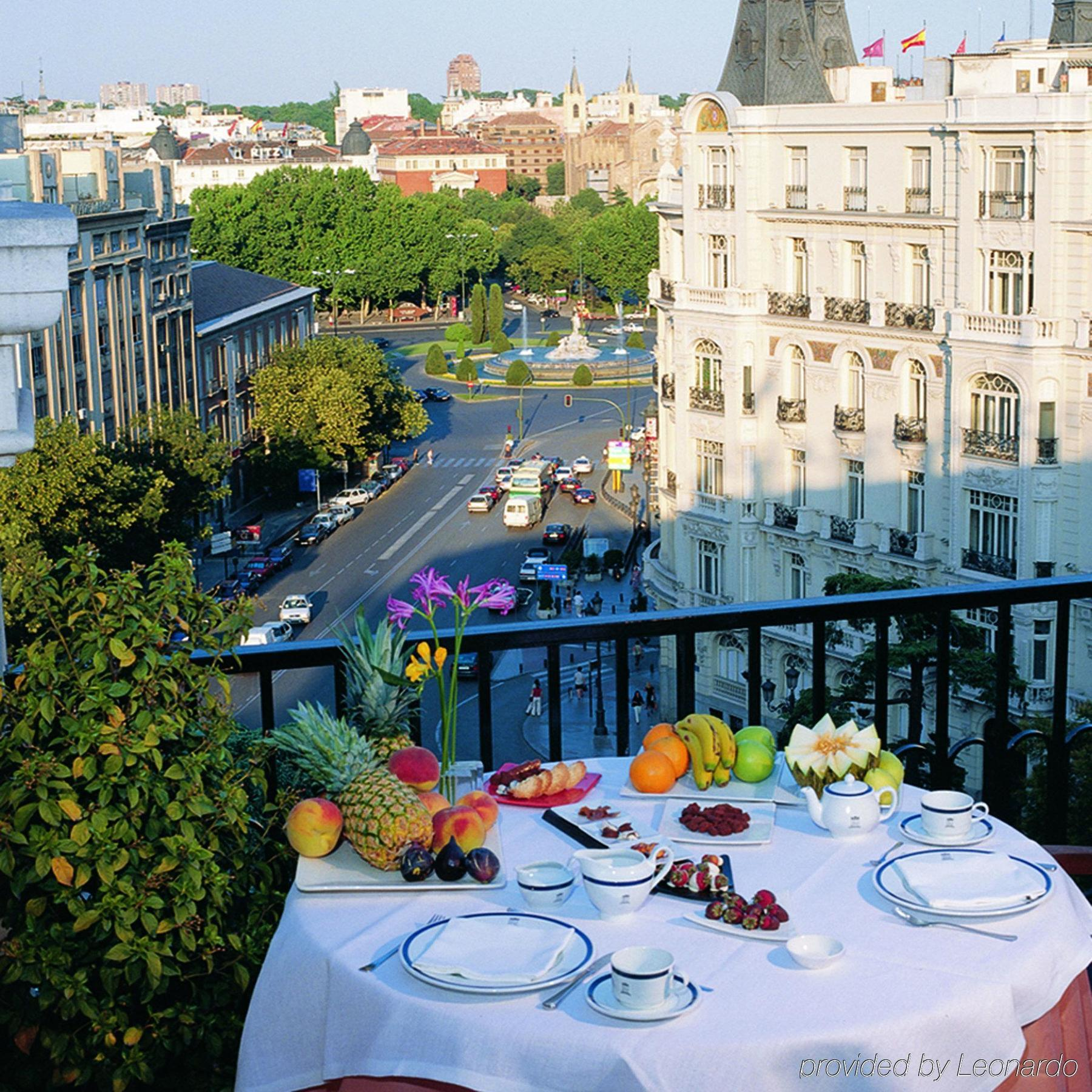 Image gallery madrid breakfast Best hotels in central madrid
